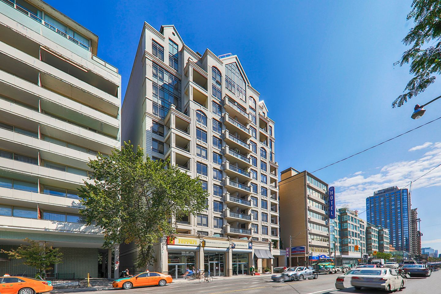 99 Avenue Road At Rd This Condo Is Located In Downtown Toronto