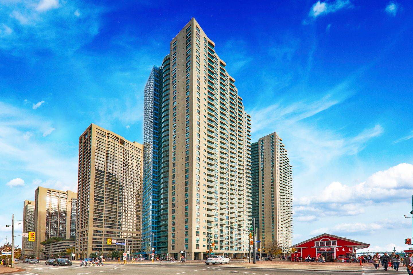 One York Quay At 99 Harbour Sq 77 This Condo Is Located